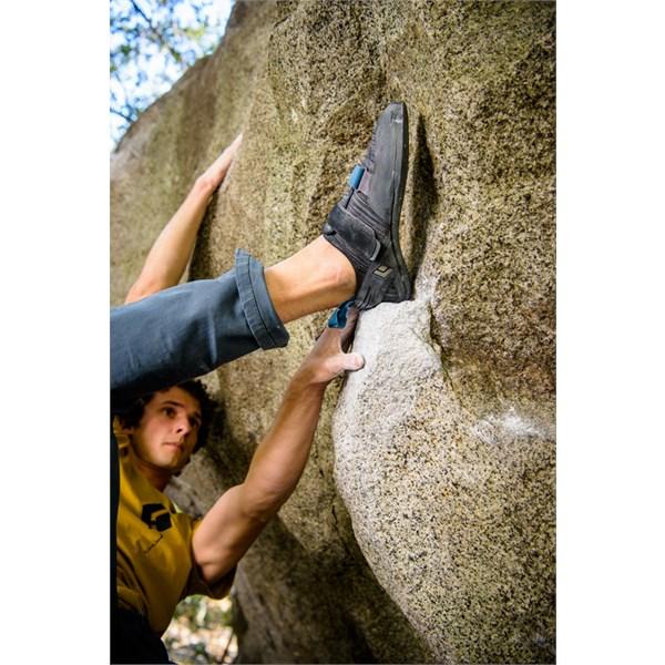 Momentum Climbing Shoes