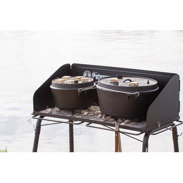 Dutch Oven Table FE90